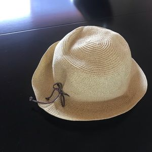 Accessories - Nine West bucket hat